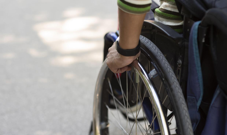 В Госдуме предложили повысить пособие по уходу за инвалидами