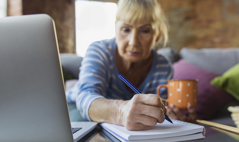 Работающим пенсионерам с 1 августа повысят пенсии