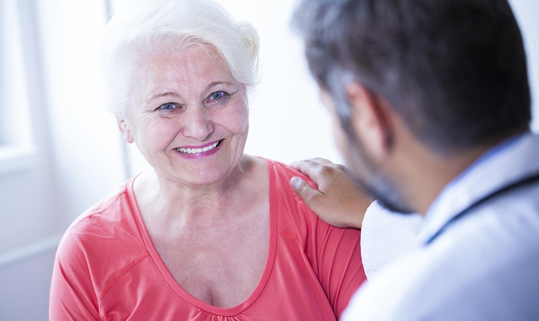 Когда пенсионеры могут бесплатно лечиться в частных клиниках –рассказывает юрист