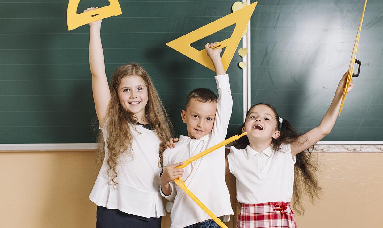 ПФР начал и будет выплачивать пособие на детей школьного возраста