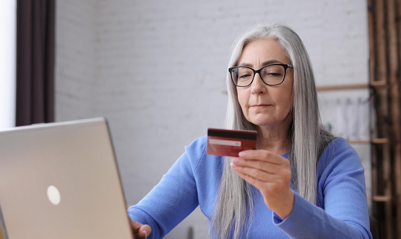 ЦБ РФ призвал банки защитить пенсионеров и инвалидов от мошенников