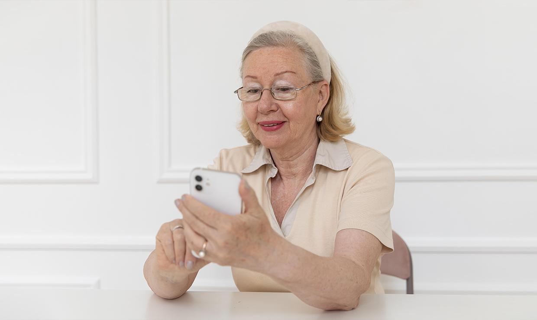 Пенсионерам нужно определиться с набором социальных услуг до 1 октября
