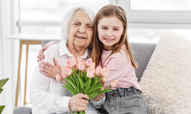 Пенсионерам полагаются подарки от региональных властей в честь Дня пожилого человека