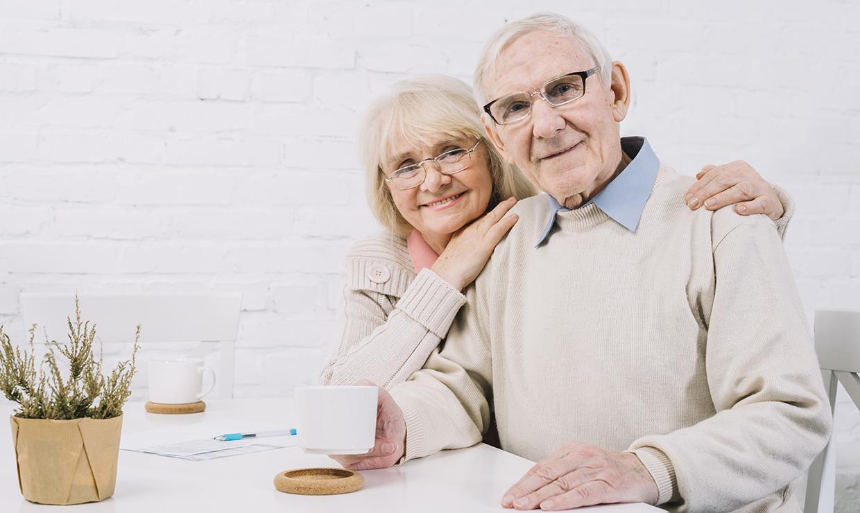 Пенсионеры получат выплаты ко Дню пожилого человека в нескольких регионах